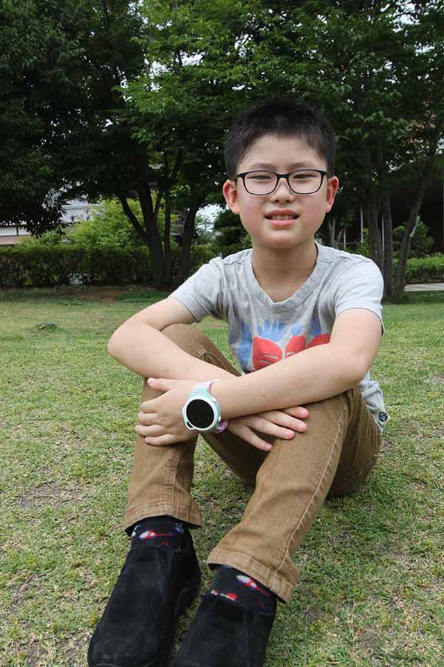 画像: 「腕時計」+「ケータイ」+「GPS端末」。これ1台で親の安心が手に入る。