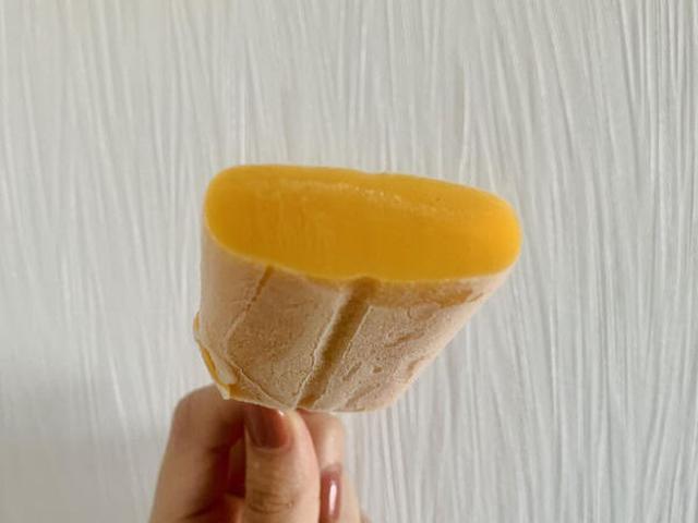 画像: ナイフで切って断面を見てみました。すごい高密度!