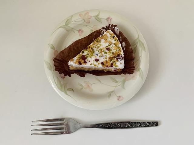 画像: おしゃれなケーキは心も癒されます。