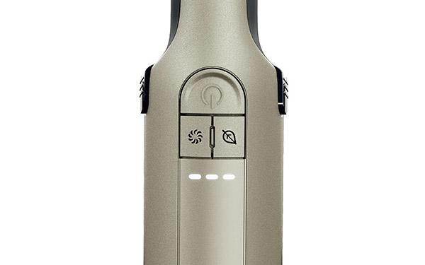 画像: 「標準」(電源ボタン)に加え、「ブースト」(左下)と「エコ」(右下)のボタンを搭載。バッテリー残量表示もあるので、安心して使える。