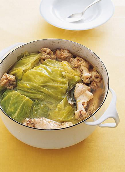 画像: クタクタに煮たキャベツが甘くやさしい味わい キャベツと手羽元のスープ煮