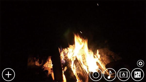 画像: インストールして再生するだけでも可。まったく設定なしでも、この画面の炎とBGMが再生される。