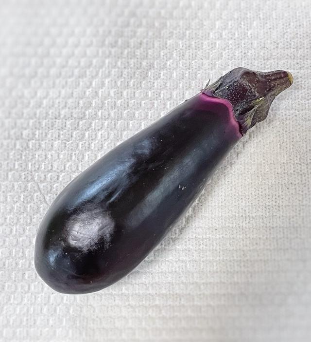 画像: 夏に出番の多いなすは、淡色野菜です。
