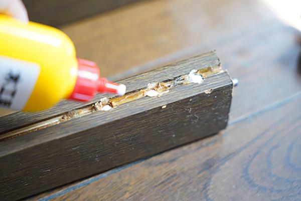 画像: 木工用ボンドは多めに塗るのがコツ。