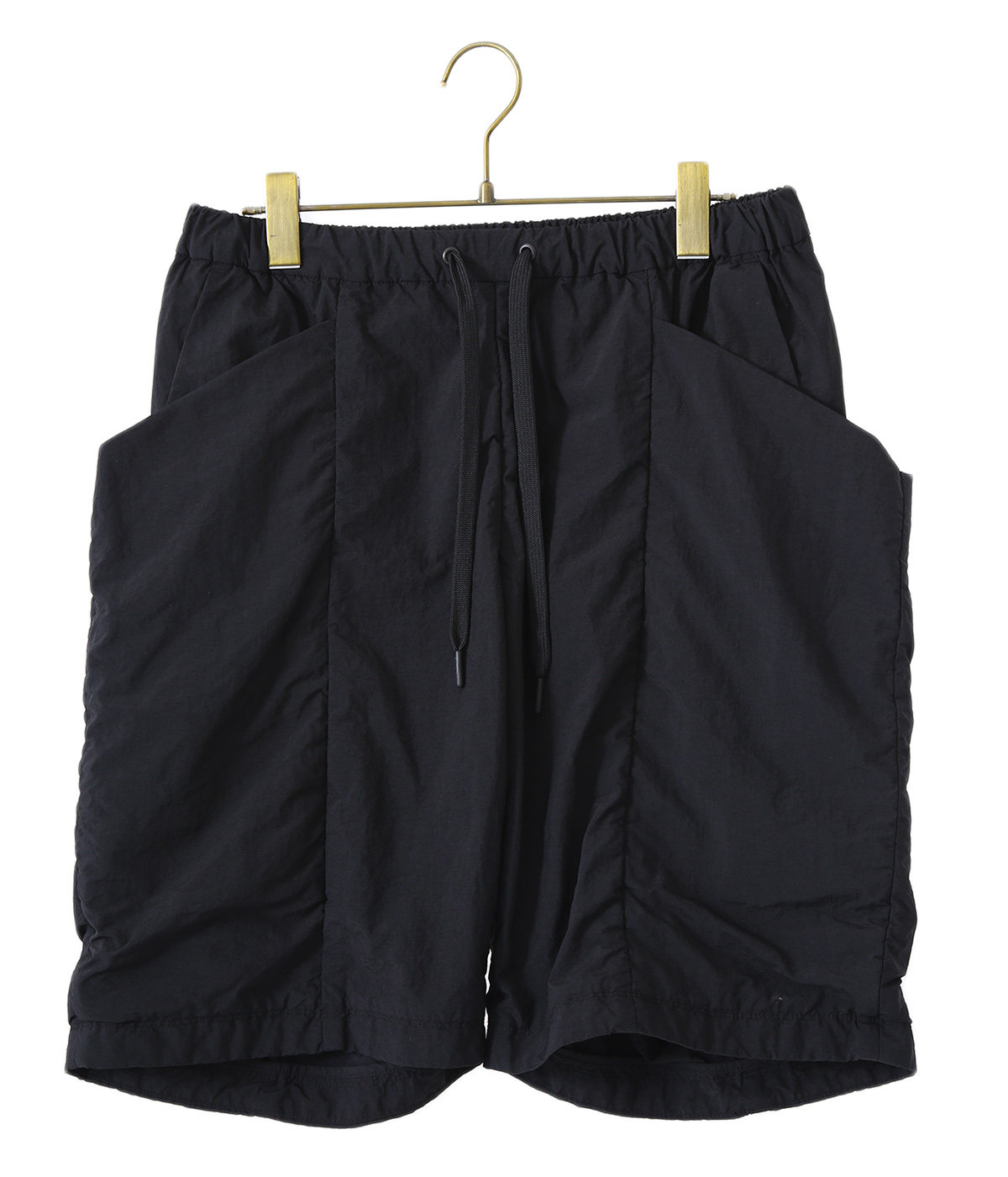 画像3: 【メンズファッション】夏コーデに必須のショートパンツおすすめ3選 アウトドアから街履きまで子供っぽくならないポイント