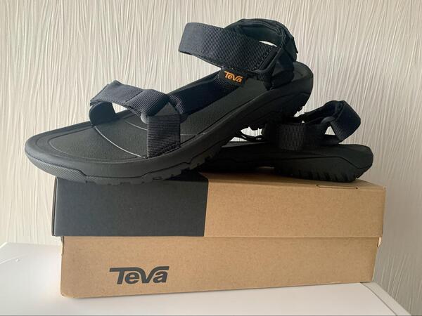 画像: アメリカ発のアウトドアサンダルのブランド「Teva」。