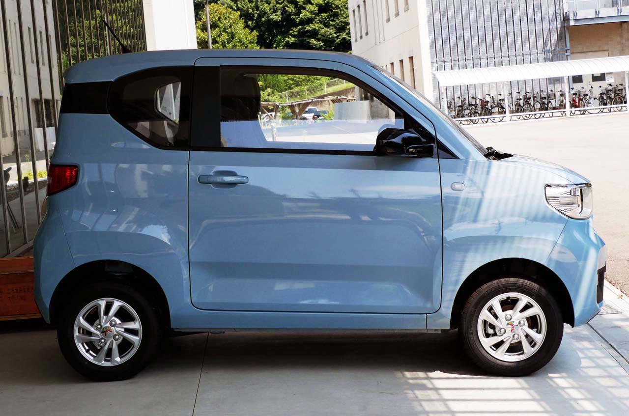 画像: 「宏光Mini EV」のサイドビュー。ドアサッシュのすき間も小さく丁寧さが窺える