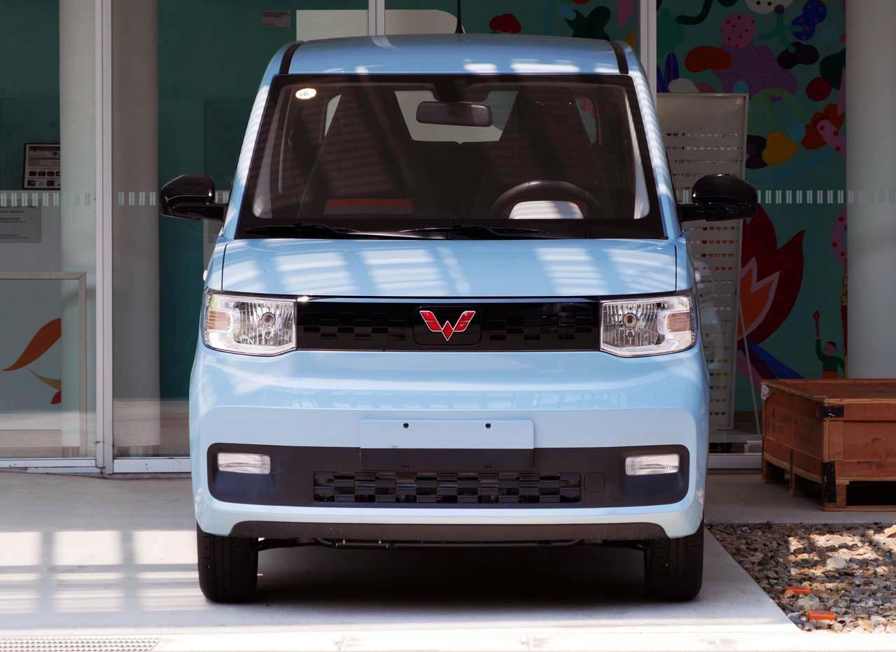 画像2: 名古屋大学構内に展示された「宏光Mini EV」