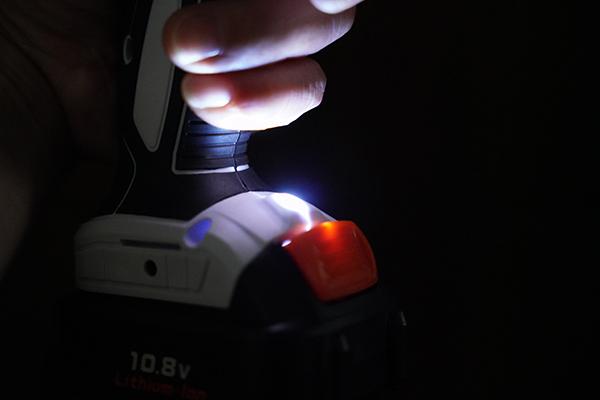 画像: 室内でも影になる場所で使うときに便利です。