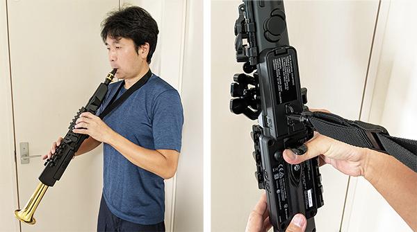 画像: 使用感覚的には、オーボエやクラリネットのよう(写真左)。ストラップに加え、親指で楽器を支えるためのフック(サムフック)も付いているから、安定した演奏が可能だ(写真右)。