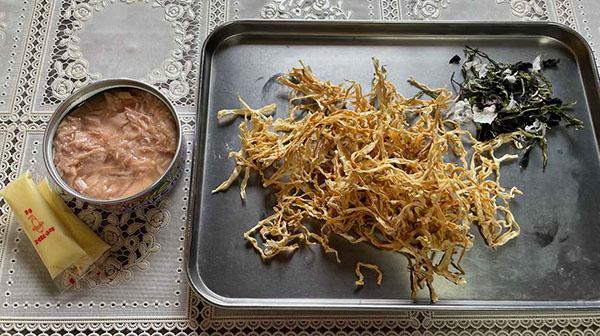 画像: ツナ缶は汁ごと活用しやすいノンオイルをチョイス。