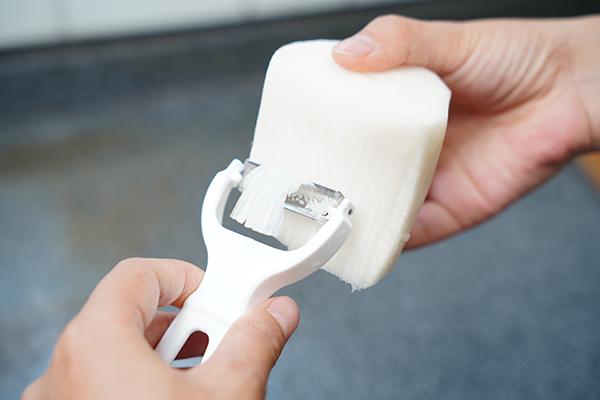 画像: ダイコンはスムーズに切ることができます。