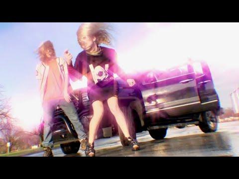 画像: 100 gecs - money machine (Official Music Video) www.youtube.com