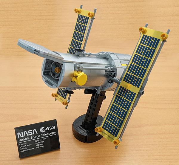 画像: ハッブル宇宙望遠鏡が完成。細部までリアル。