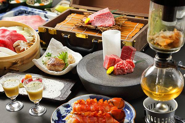 画像: 「肉の匠」業態の「将泰庵 特別コース」1人10890円(2名~)。13品目で構成されている。