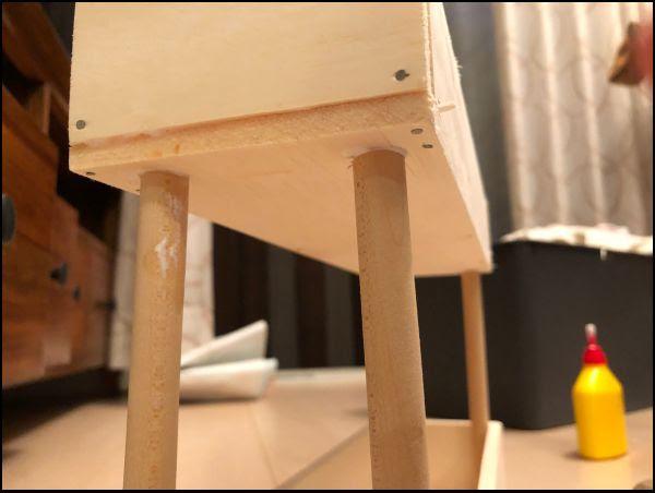 画像: 上段の木箱を乗せていきます