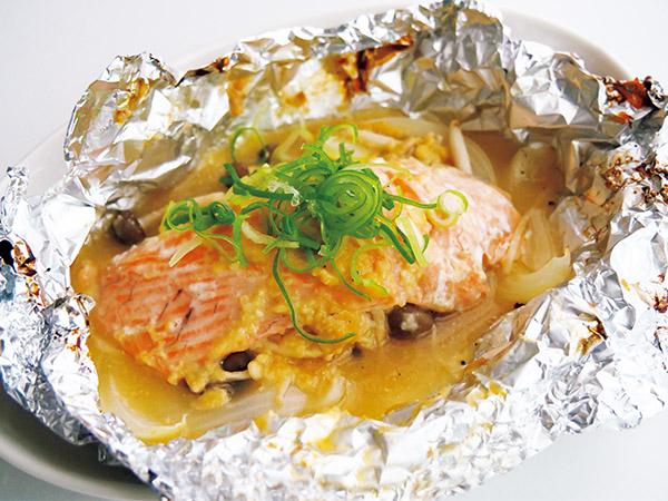 画像: 鮭の良質な脂と野菜が一緒にとれて◎