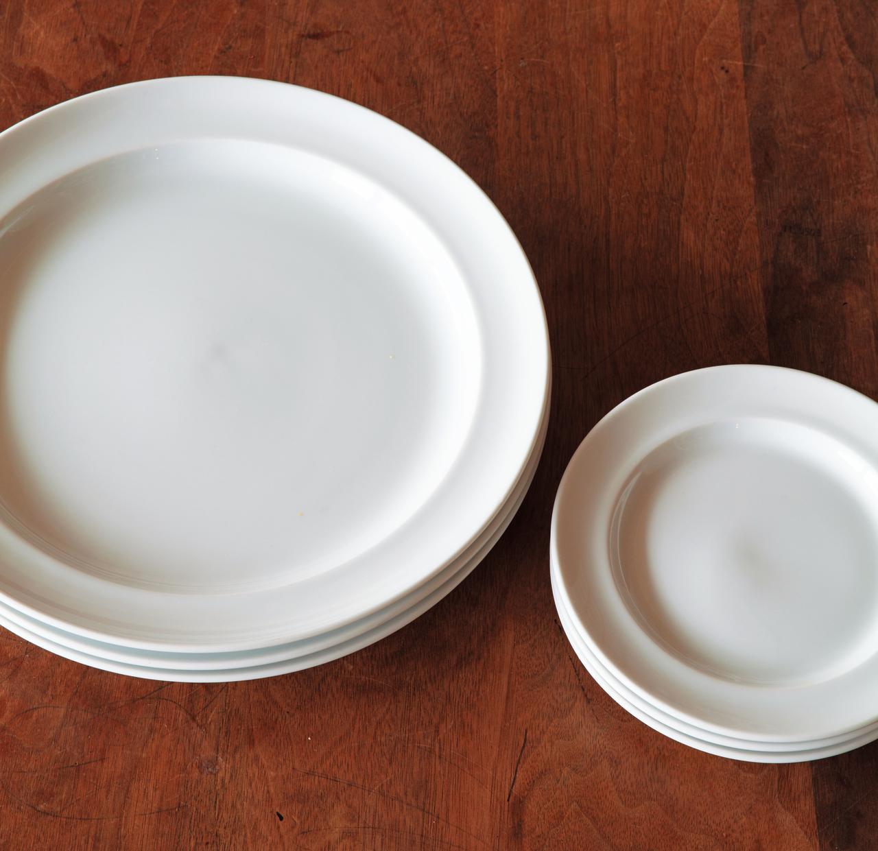 画像: ロイヤルコペンハーゲンの白いお皿は、洋食メニューでたびたび使う頼もしい存在