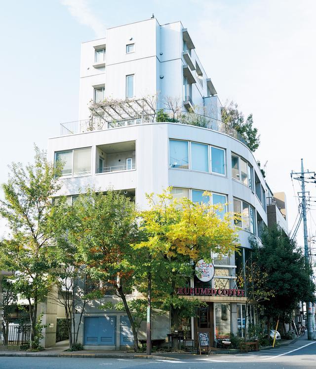 画像: 西国分寺駅からすぐ、シェアハウスの1階がクルミドコーヒーに