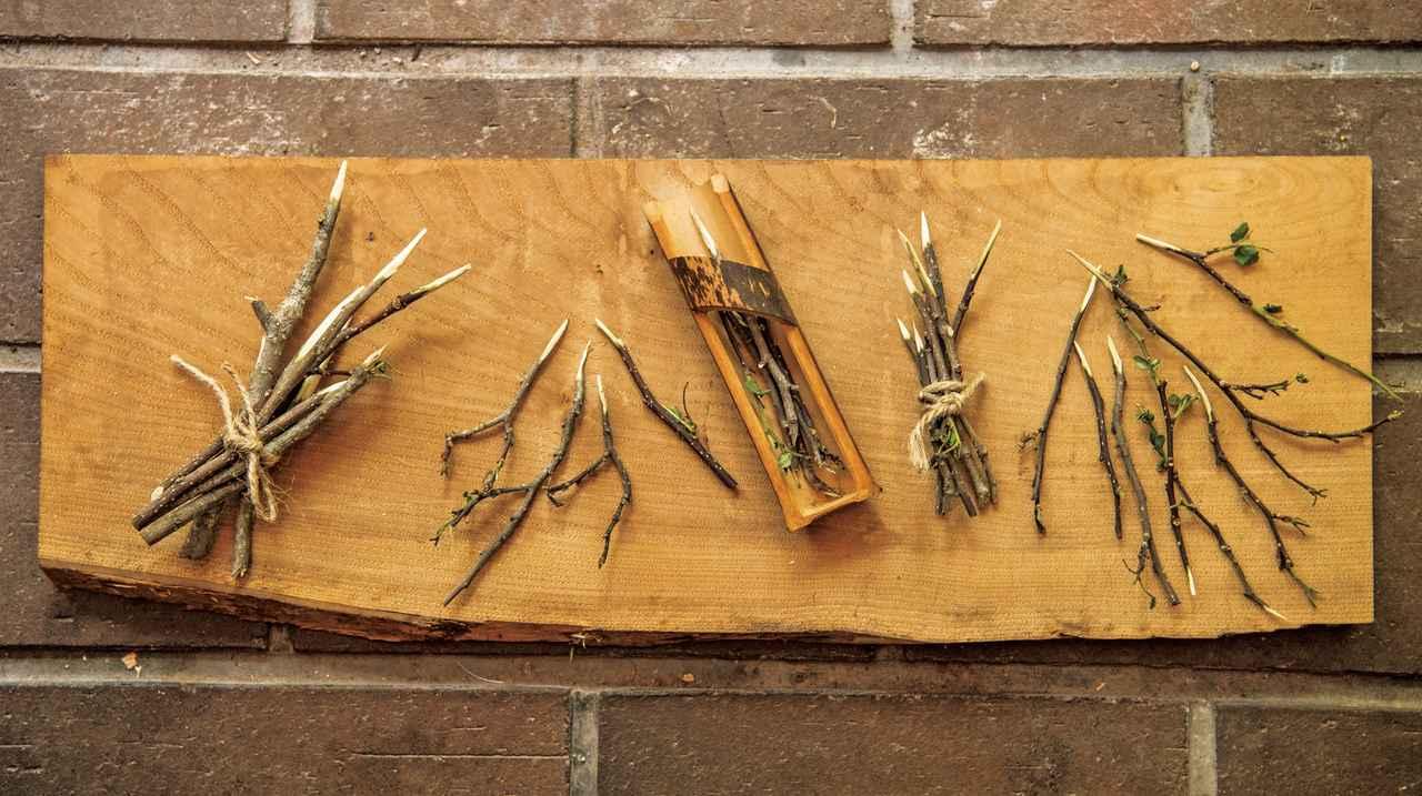 画像: 山椒の枝でつくったようじ。使い捨てにせず、先を新たに削り出して何度も使う