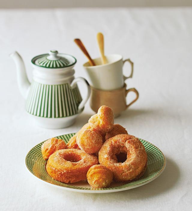 画像: ●巻頭料理 なかしましほさんの「日々を楽しむ、いつものお菓子」
