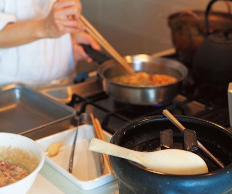 画像: 「わが家のくり返し料理のかなり上位メニューかも」というから揚げを手早く調理