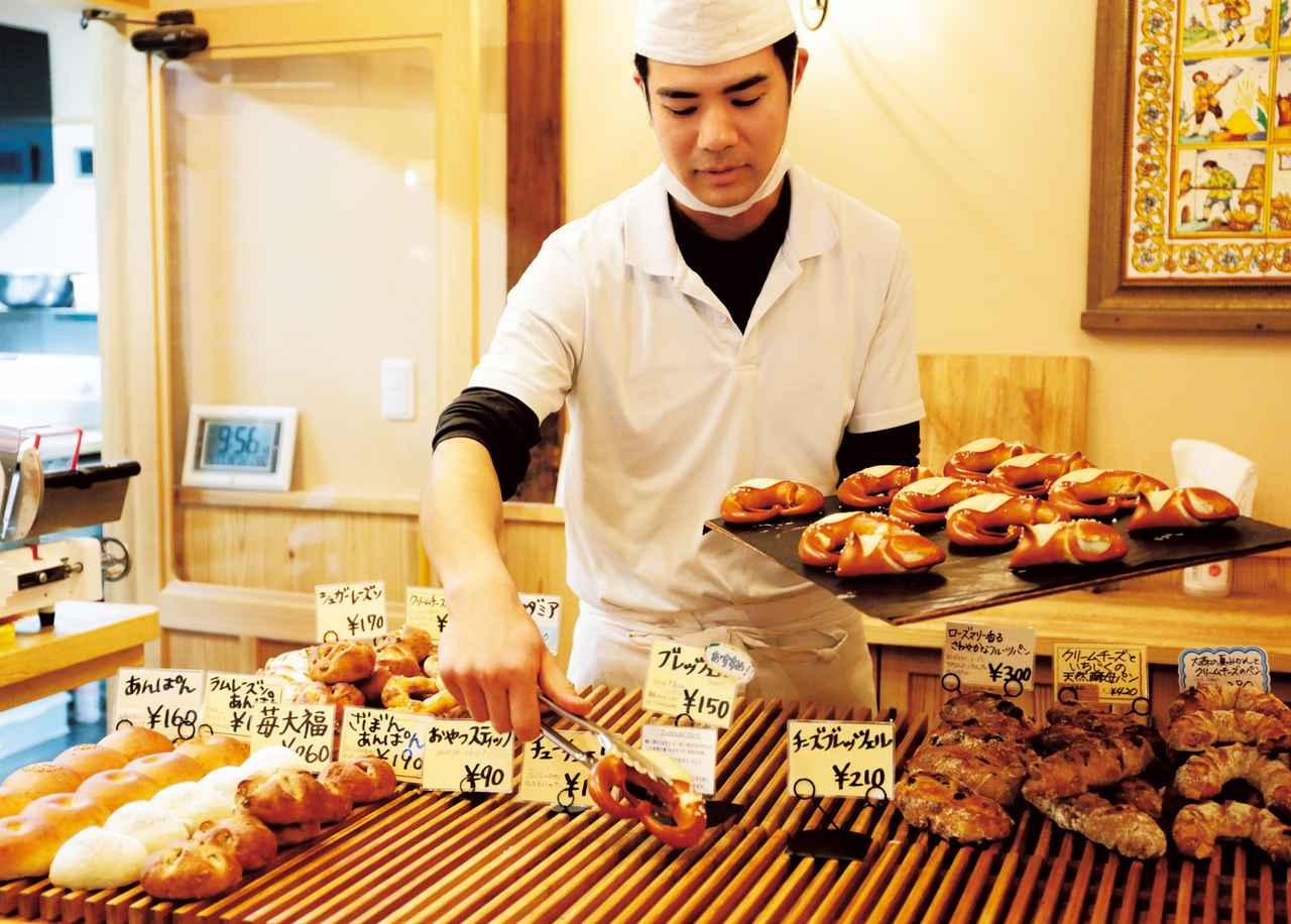 画像: 女子寮の朝の定番は「ベッカライ コンディトライ ヒダカ」(☎0854-89-0500)のパン