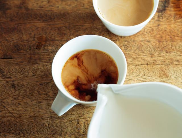 画像: 4. 牛乳を加えてでき上がり。冷たいままでOK。温める場合は沸騰させず、40℃くらいに