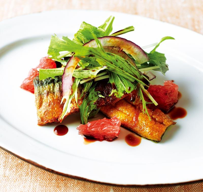 画像1: さんまのカレー粉焼き サラダ仕立て