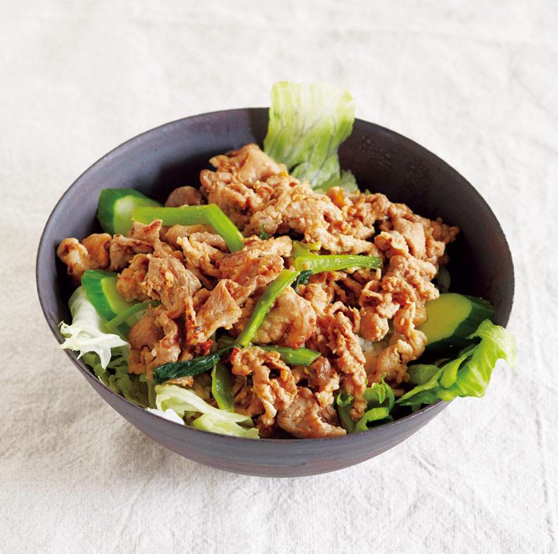 画像: サラダ豚丼