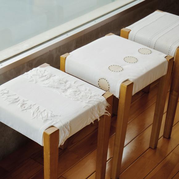 画像: 椅子カバーは好きな布で