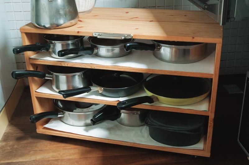 画像: 「重なっている道具をどかす手間が省けるだけでも、料理をしやすくなります」