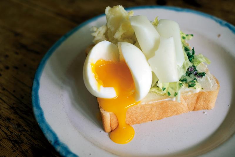画像2: 巻頭料理 細川亜衣さんの「秋冬野菜を閉じ込める料理」