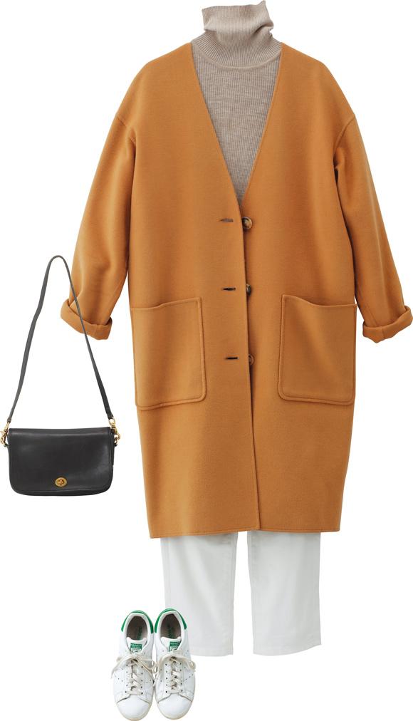 画像: ベーシックなコートは、4年ほど前に買った「エルメス」。ニットとパンツは、それぞれ「無印良品」と「ユニクロ」。コートさえ上質なものを着ていれば、全体が品よくまとまる。足元は軽やかに白の「アディダス」