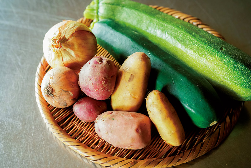 画像: 息子さんが自然農法で育てた野菜類