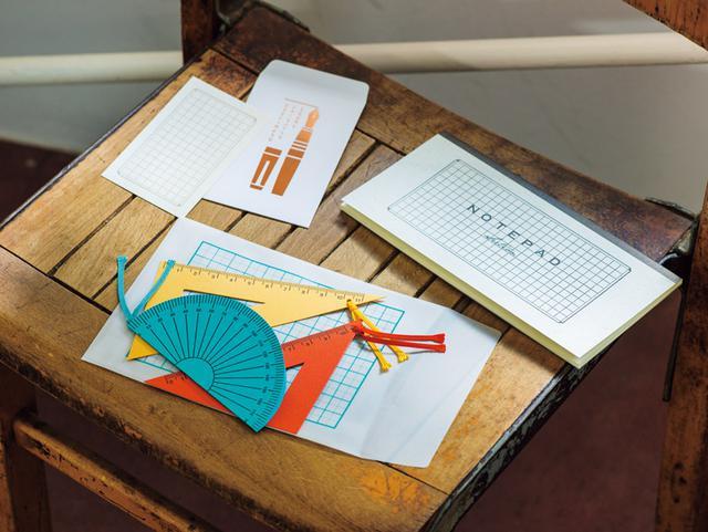 画像: yurulikuの定番商品。上から、ぽち袋 3枚入り、マス目の一筆箋、封筒付き定規カード