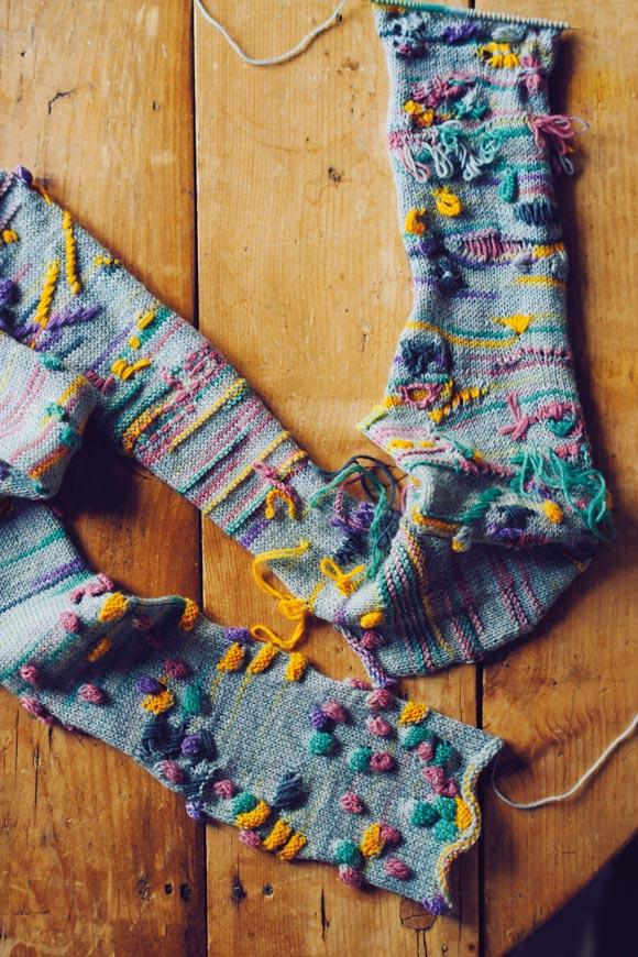画像2: 初心者でも気軽に編める、レリーフ編みの毛糸も開発