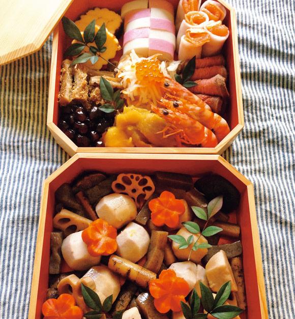 画像: お世話になった方へのおせち。黒豆は丹波産と北海道産の2種で比べ煮。同じ調味料、同じ工程でつくると、豆の違いが顕著にわかって面白かったです