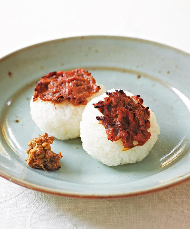 画像: ふき味噌を使って ふき味噌風味の焼きおむすび