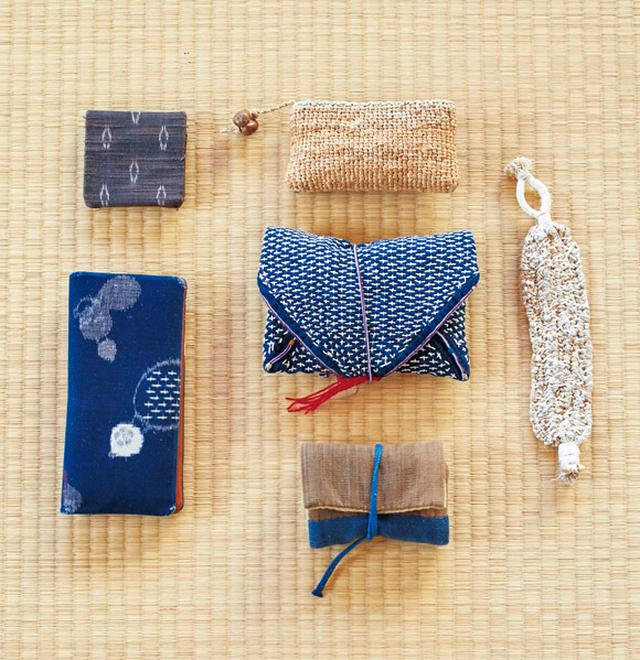 画像: 福太郎さん愛用の、和の知恵を生かした収納袋