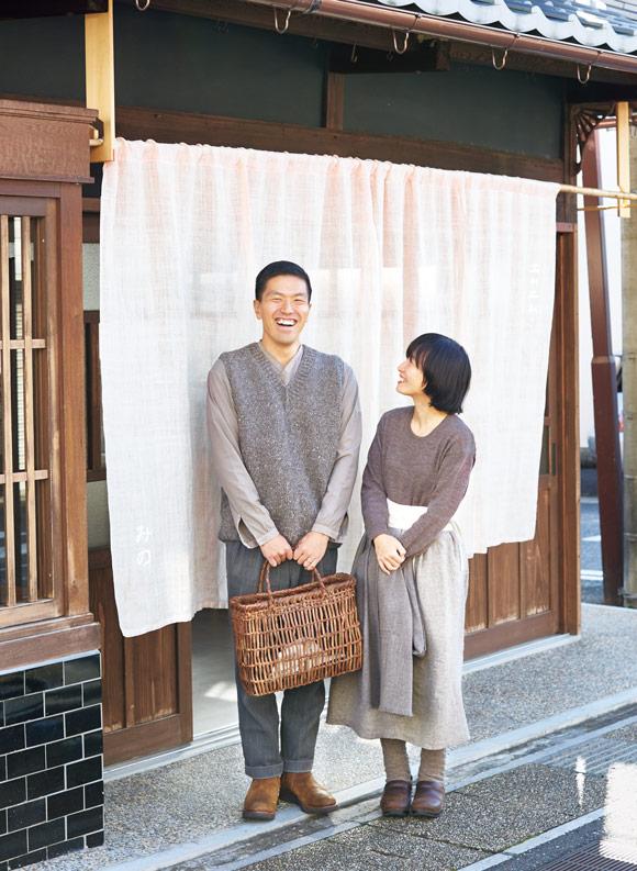 画像: 手紡ぎや手織りでていねいにつくられた、やさしい服