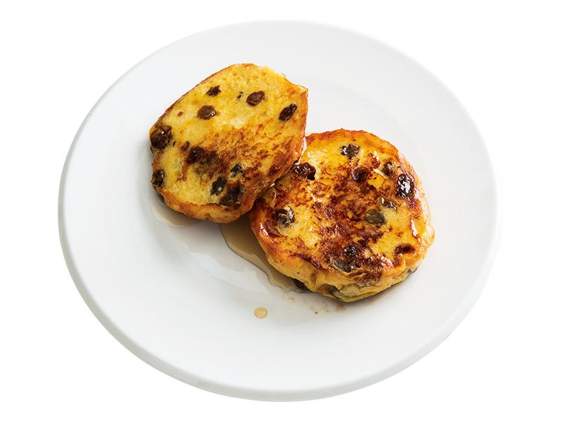 画像: 丸形ぶどうパンで ぶどうパンでフレンチトースト