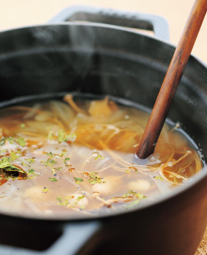 画像: 干しきのこを使って 干しきのこと白いんげん豆のスープ