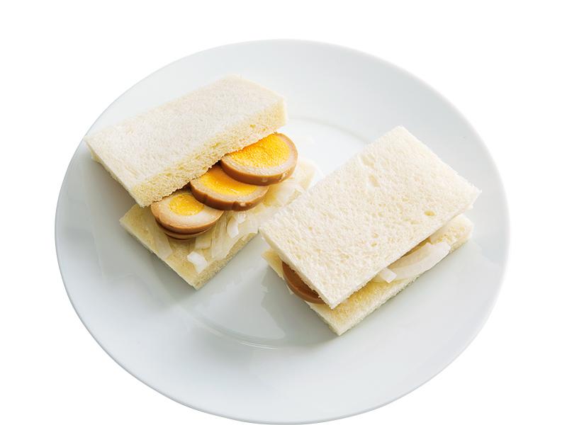 画像: 8枚切り食パンで 味玉サンド