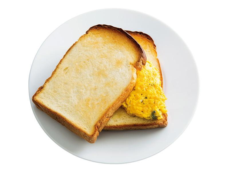 画像: イギリスパンで ゴルゴンゾーラオムレツサンド