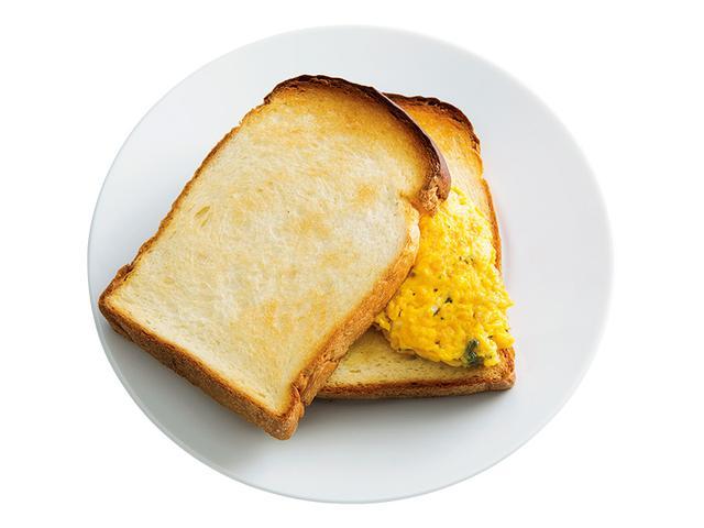 画像: イギリスパン2枚で ゴルゴンゾーラオムレツサンド