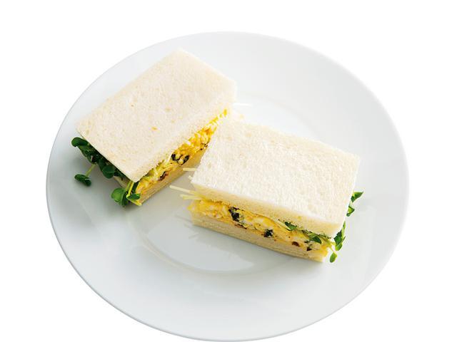 画像: 8枚切り食パン2枚で プルーンの玉子サンド