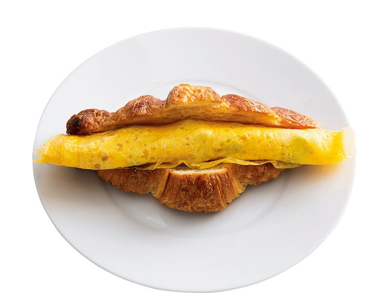 画像: クロワッサンで くるくる薄巻き玉子サンド