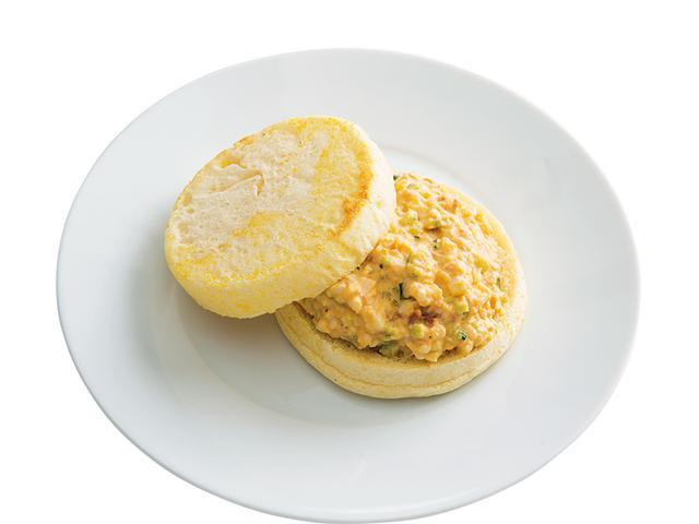 画像: イングリッシュマフィンで 梅マヨの玉子サンド