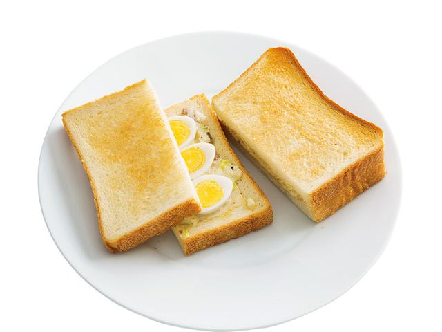 画像: 8枚切り食パン2枚で うずらの玉子サンド